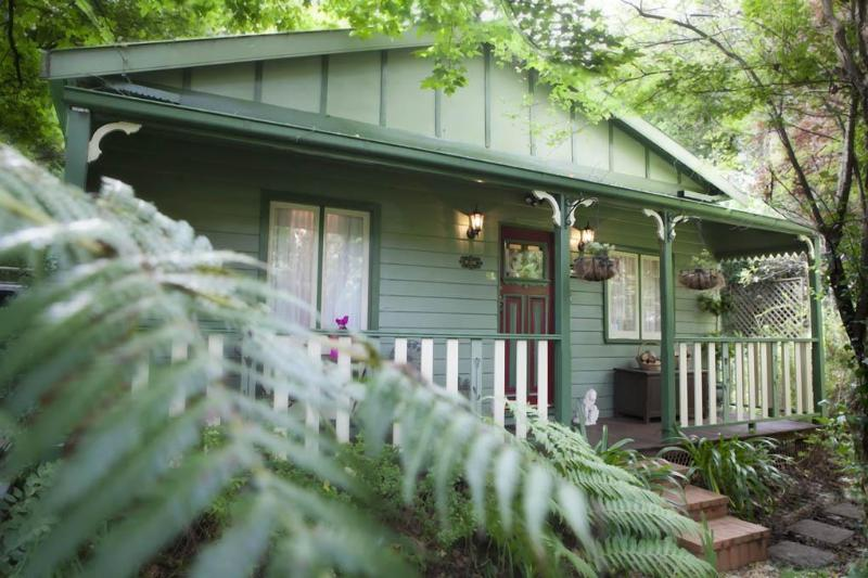 Welcome to Strawberry Patch, your private Leura cottage accommodation