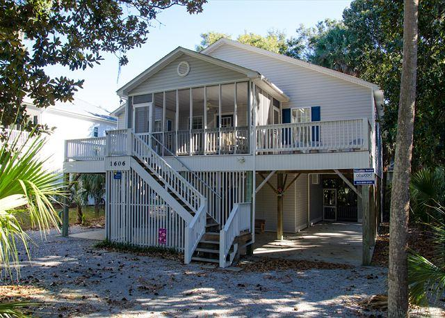 Harmony Shores - 4BR/2.5BA, Beach Walk, Screened Porch, holiday rental in Edisto Island
