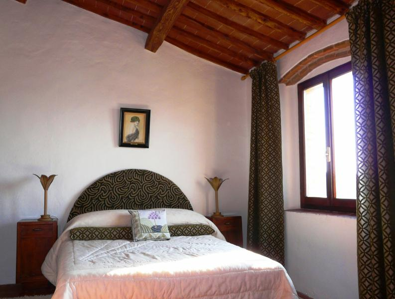 Caminetto west bedroom