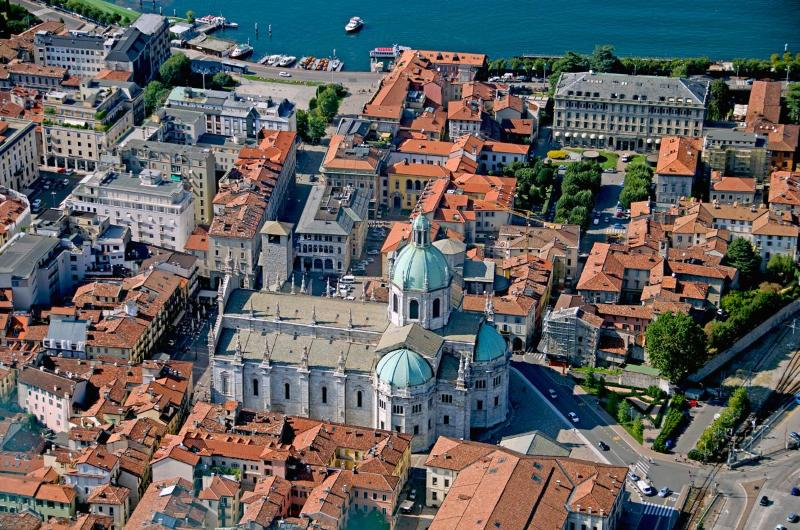Como Centro Duomo  - Photo by John Soule