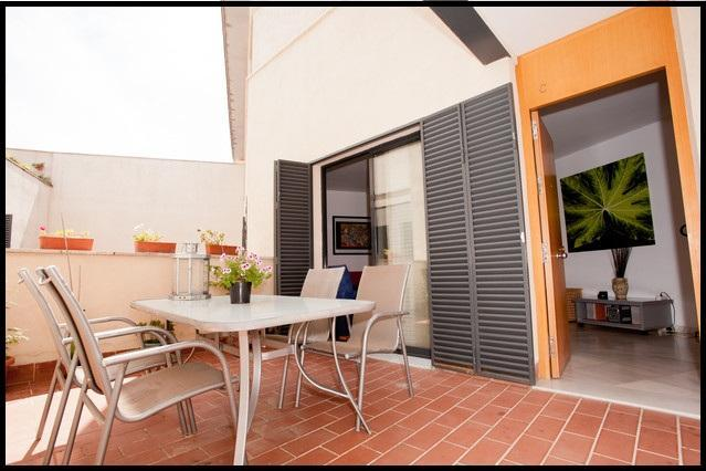 2Br Terrace Patio, Wifi, Parking(HEART of SEVILLE), holiday rental in Guillena