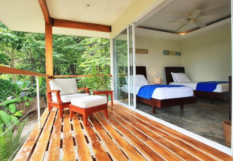 1 dormitorio y terraza