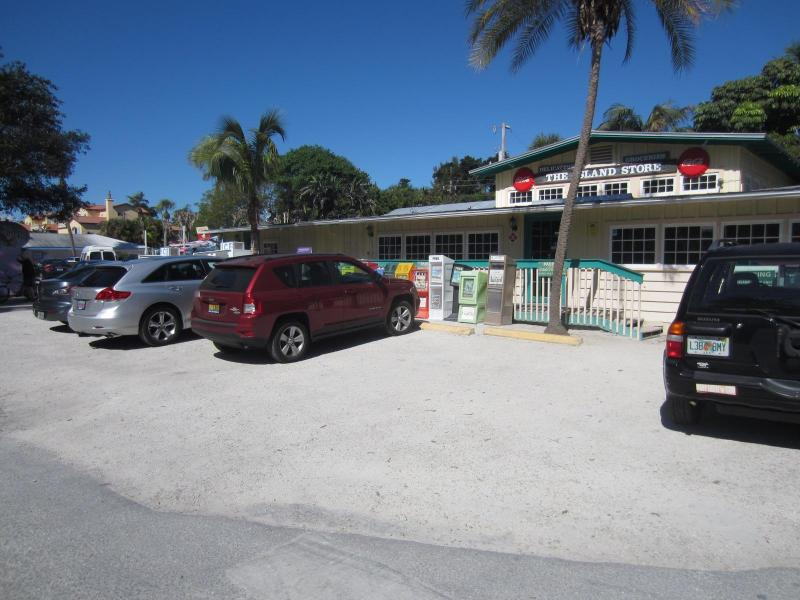 The Isand Store in the center of the Captiva Village