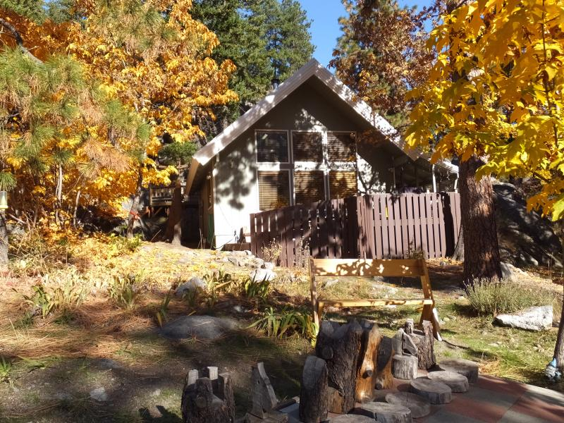 Chalet - Hike or Climb the Famous Enchanments or enjoy the Icicle River - just out the door