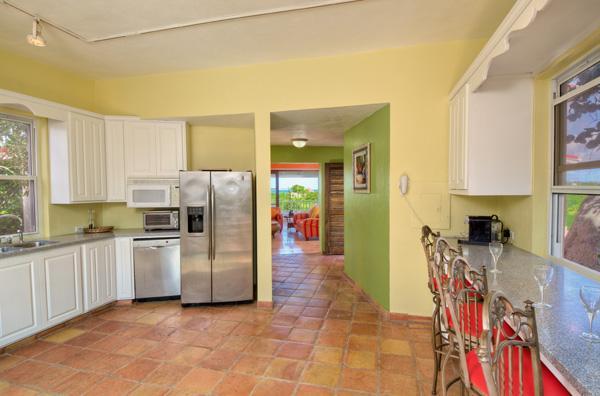 Kochen Sie und versammeln Sie sich in der großen Wohnküche.