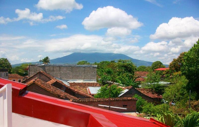 Vulcão de anfíbio f vista do terraço