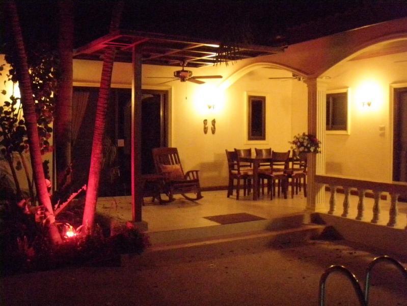Al-Fresco Dining on the Warm Tropical Evenings