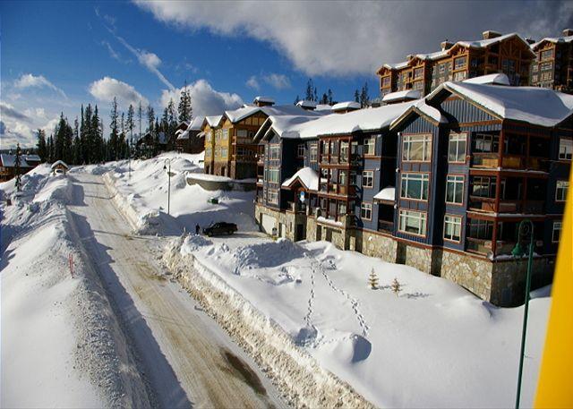 Glacier Lodge 103