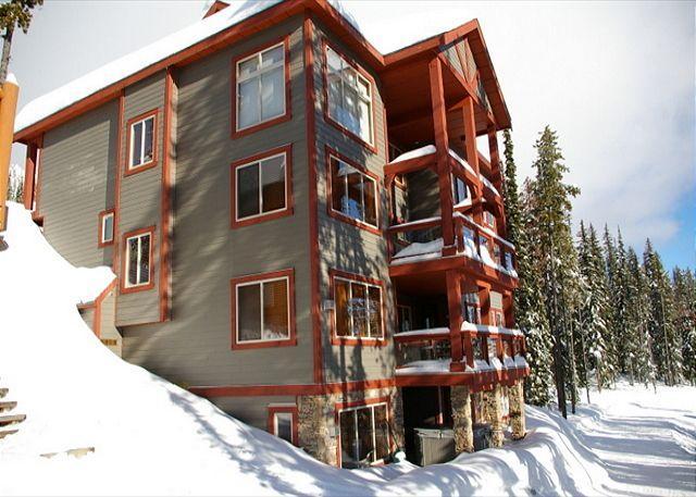 Snowbanks 6, Ski Acess, Big White, BC