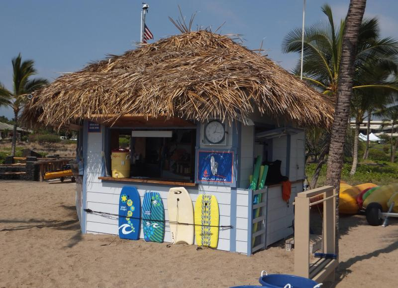 Strand Hut @ A-Bay