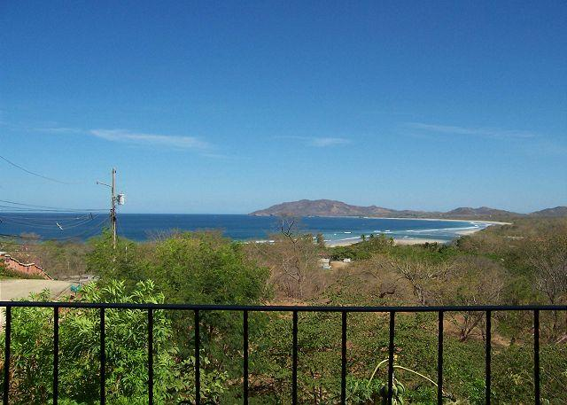 Great vacation condo oceanviews, a/c, shared pool, cable, private balcony, vacation rental in Tamarindo