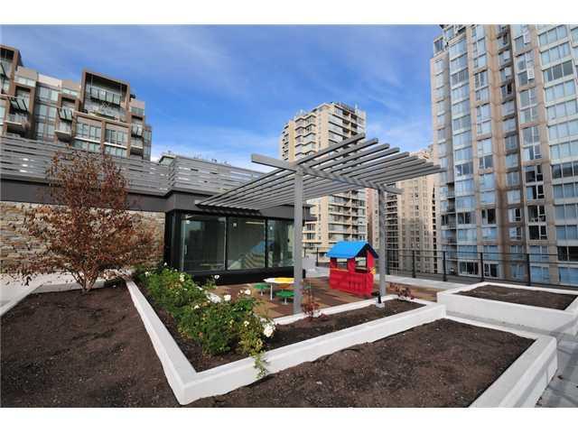 Rooftop garden with children's play area