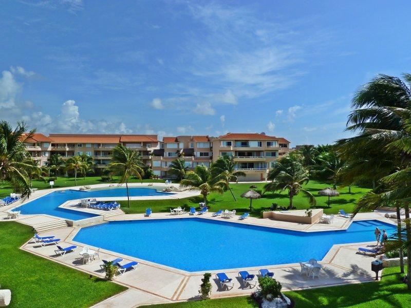Villas del Mar large pool