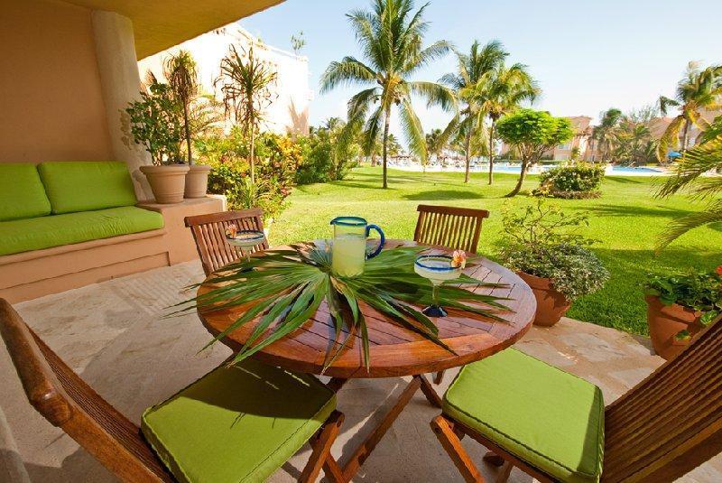 'Casa Alegria' VDM I Condo E102  Great Location! ground floo, Ferienwohnung in Puerto Aventuras