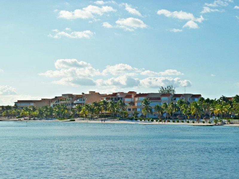 Villas del Mar beachfront condos