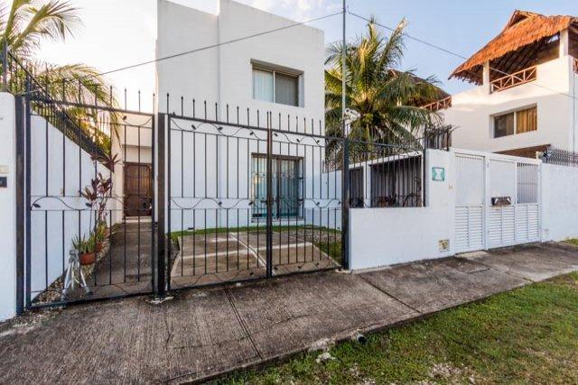 Casa de Paz—Central Location, Private Dead-End Street, vacation rental in Cozumel