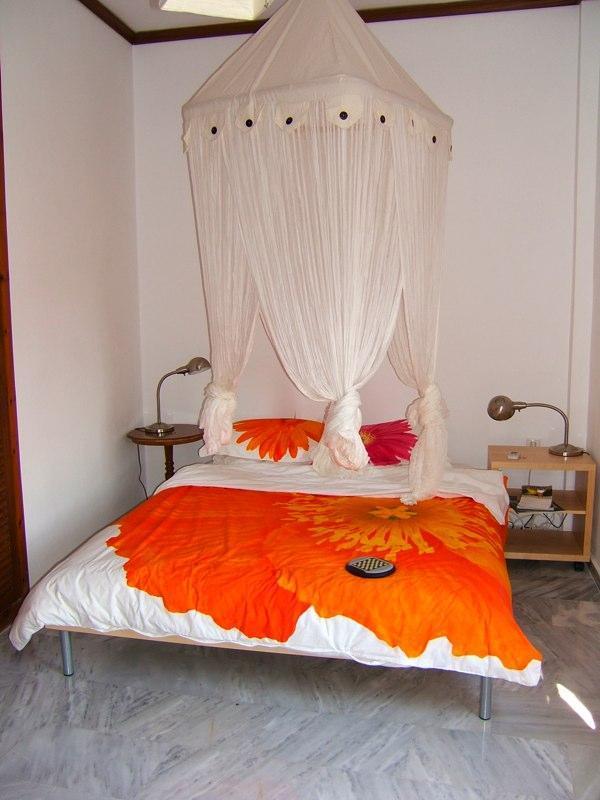 Ruhige Schlafzimmer mit eigener Terrasse