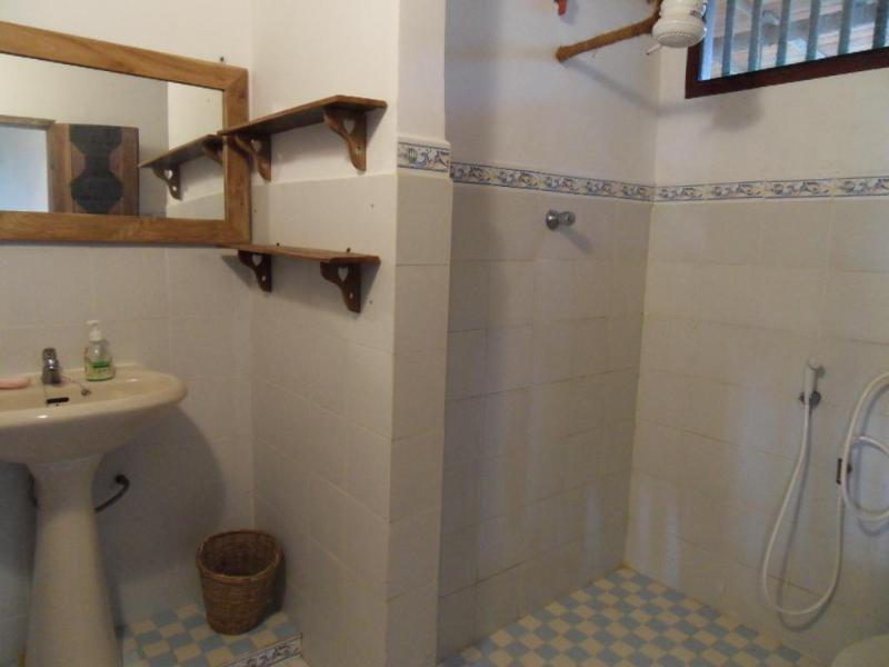 guest room no 2 bathroom