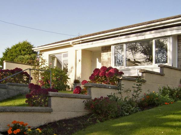 1 MIREHOUSE PLACE, family friendly, with a garden in Angle, Ref 2764, holiday rental in Herbrandston