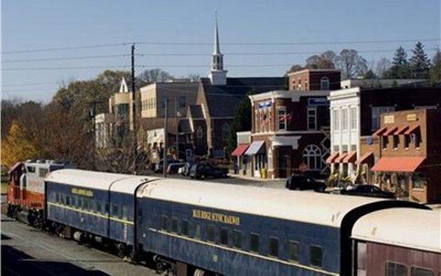 Downtown Blue Ridge & the Scenic Railway