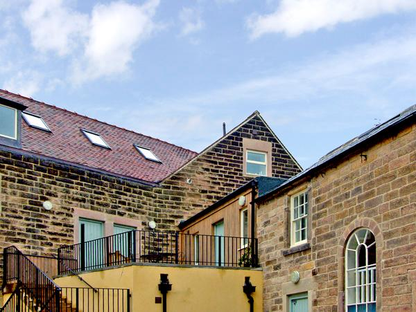 8 TAWNEY HOUSE, romantic, country holiday cottage in Matlock, Ref 2401, holiday rental in Tansley