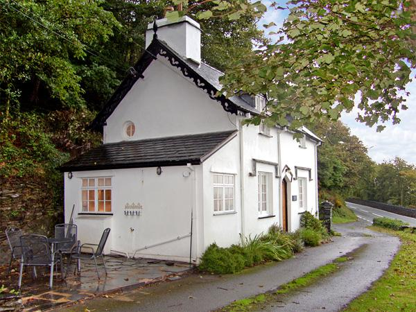 BRAICH-Y-CELYN LODGE, family friendly, character holiday cottage, with open, holiday rental in Aberdovey