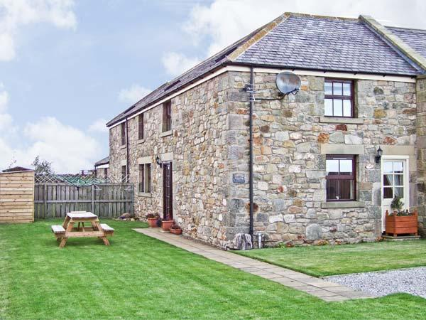 SEA BREEZE COTTAGE, with a garden in Berwick-Upon-Tweed, Ref 2840, location de vacances à Spittal