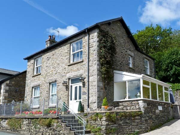 BRIARCLIFFE COTTAGE, family friendly, luxuryholiday cottage, with a garden in, aluguéis de temporada em Grange-over-Sands