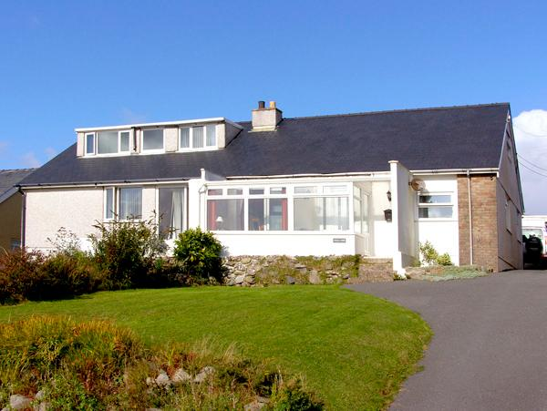 TREM Y MOR, with a garden in Llanfair, Ref 2747, Ferienwohnung in Harlech