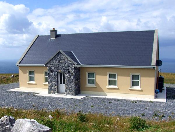 VIEW OF THE BURREN, country holiday cottage, with a garden in Fanore, County, holiday rental in The Burren