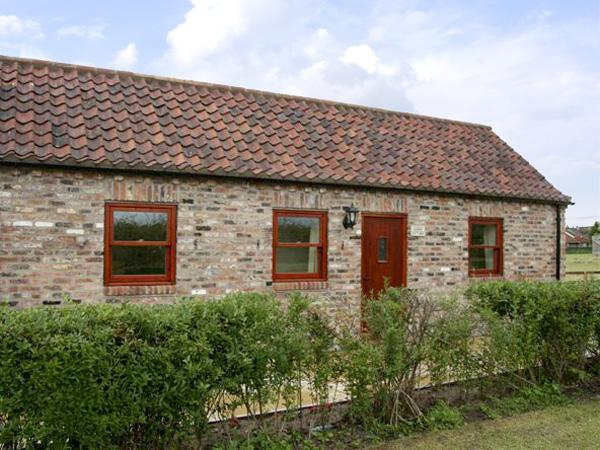 LODGE COTTAGE, romantic, country holiday cottage, with a garden in York, Ref, holiday rental in Tockwith