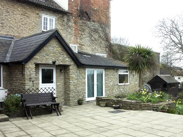 FRODOS, country holiday cottage, with a garden in Henstridge, Ref 1627, holiday rental in Charlton Horethorne