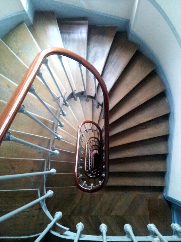 Treppe (sechs Flüge)