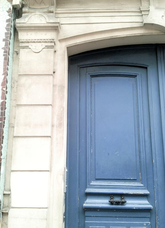 Haupteingang in das Apartment-Gebäude