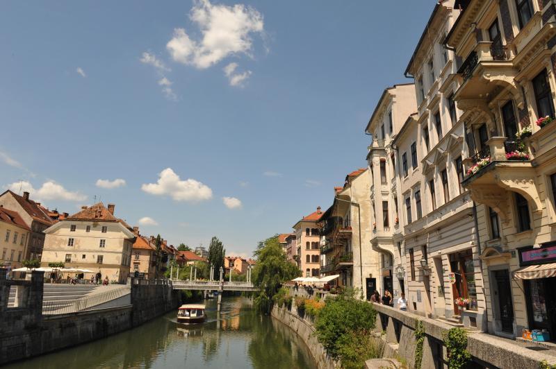 Orillas del río Ljubljanica los 10 minutos a pie del apartamento