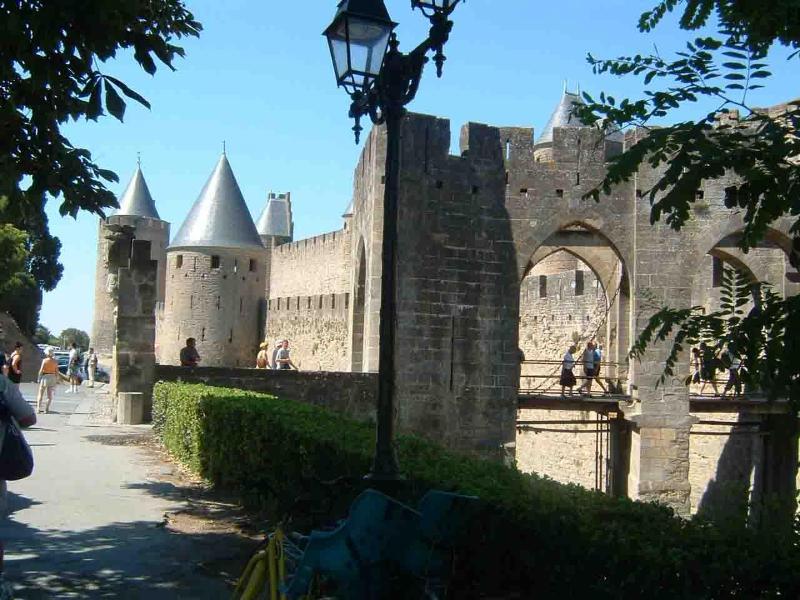 Stadtmauer von Carcassonne, 1 Stunde Fahrt vom Chalet