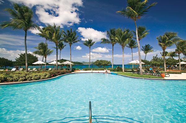 La Rereshing y la acogedora piscina