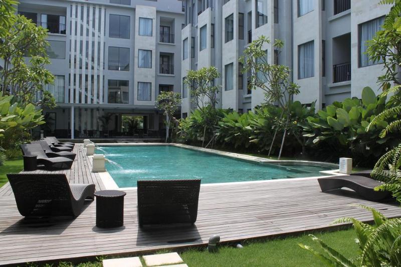 vue sur la piscine commune Umalas Residence