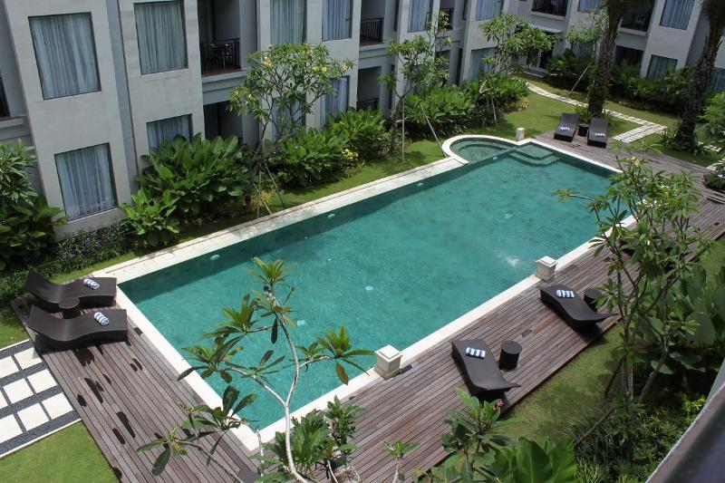 STUNNING ONE BEDROOM APARTMENT IN UMALAS RESIDENCE BALI, holiday rental in Kuta