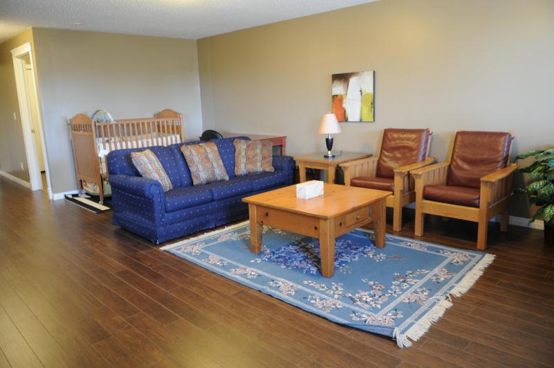 Habitación familiar con un montón de espacio para entretener!