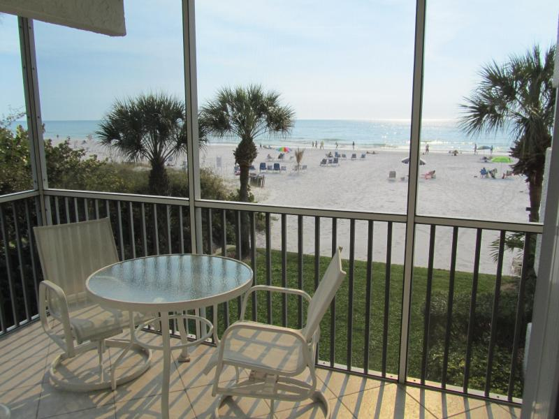 Siesta Key Luxurious Beachfront Condo, vacation rental in Siesta Key