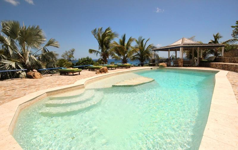 The Carib House Turtle Bay Falmouth Antigua, vakantiewoning in Mamora Bay