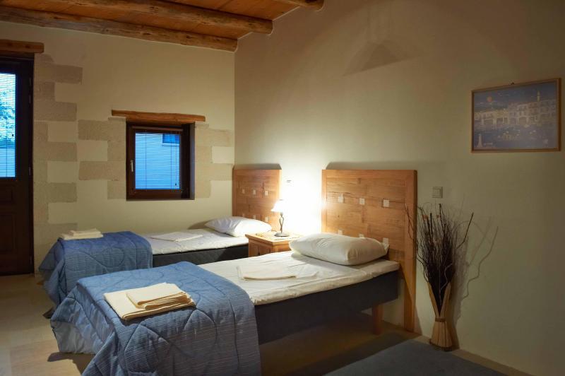 VILLA ALADANOS - Quarto Twin com casa de banho en-suite