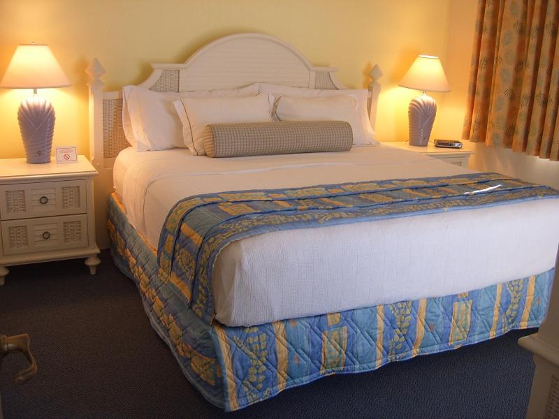 Master Bedroom - King Size Bed with  full En Suite Bathroom