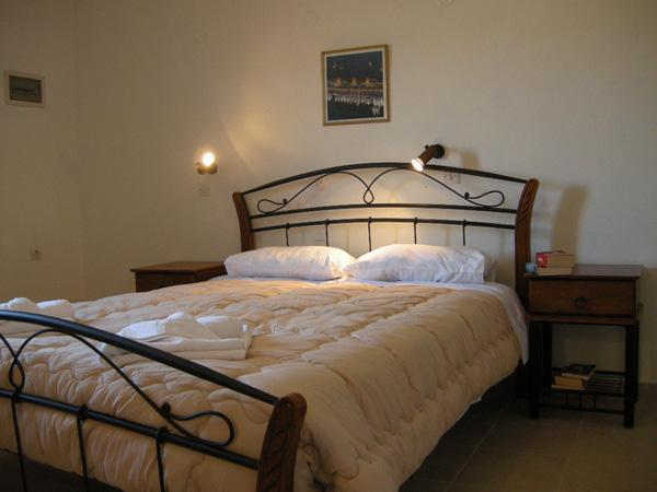 Studio 9 with Queen Bed