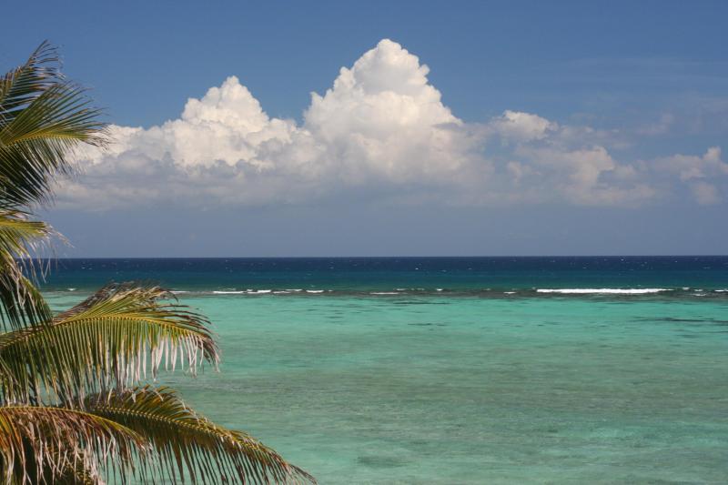 Wie viele Schattierungen von blau sind die Wasser der Karibik?