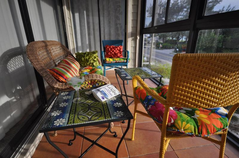 Cozy lanai w access from master bedroom and living room