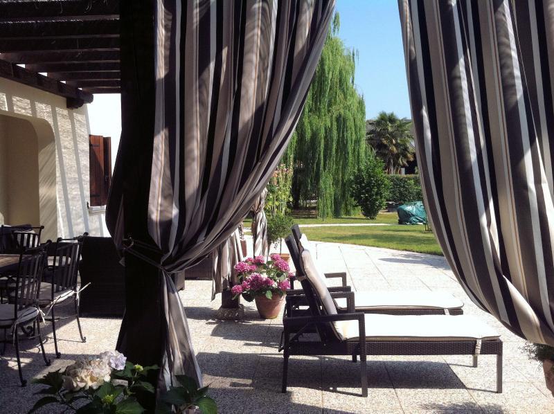 Luxe zonneterras bij Villa San Toma
