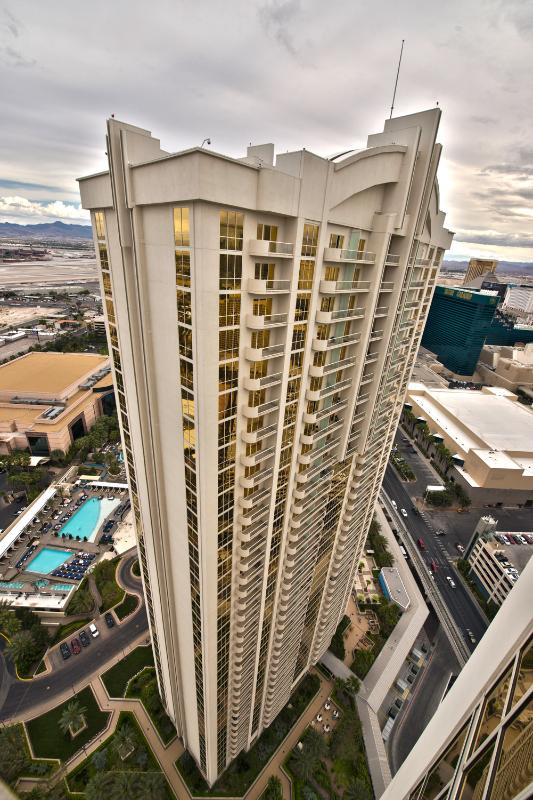 MGM Signature 1BR Suite W/Balcony 25th