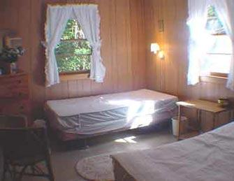 Bedroom %352 with two twins